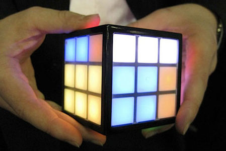 Rubiks-TouchCube-The-Worlds-First-Touchscreen-Rubiks-Cube-2.jpg 468×313 pixels