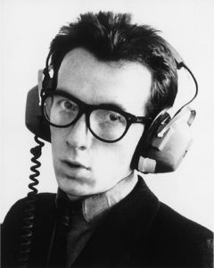 costello-elvis-photo-xl-elvis-costello-6230868.jpg (JPEG Image, 400x500 pixels)