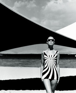 op-art-swimsuit-brigitte-bauer-op-art-swimsuit-by-sinz-vouliagmeni_-greece-1966.jpg 655×798 pixels
