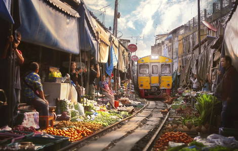 500px / Bangkok Train juicer by paul sarawak