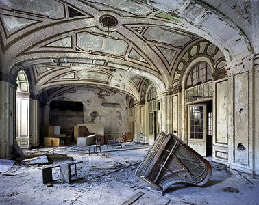 Yves Marchand & Romain Meffre Photography - The ruins of Detroit
