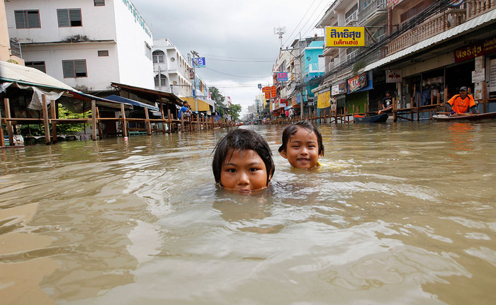 Worst Flooding in Decades Swamps Thailand - Alan Taylor - In Focus - The Atlantic